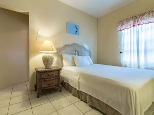 AA2 Private Bed Room, Queens Bed, with en suite Bathroom