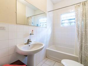 En suite bathroom from A2